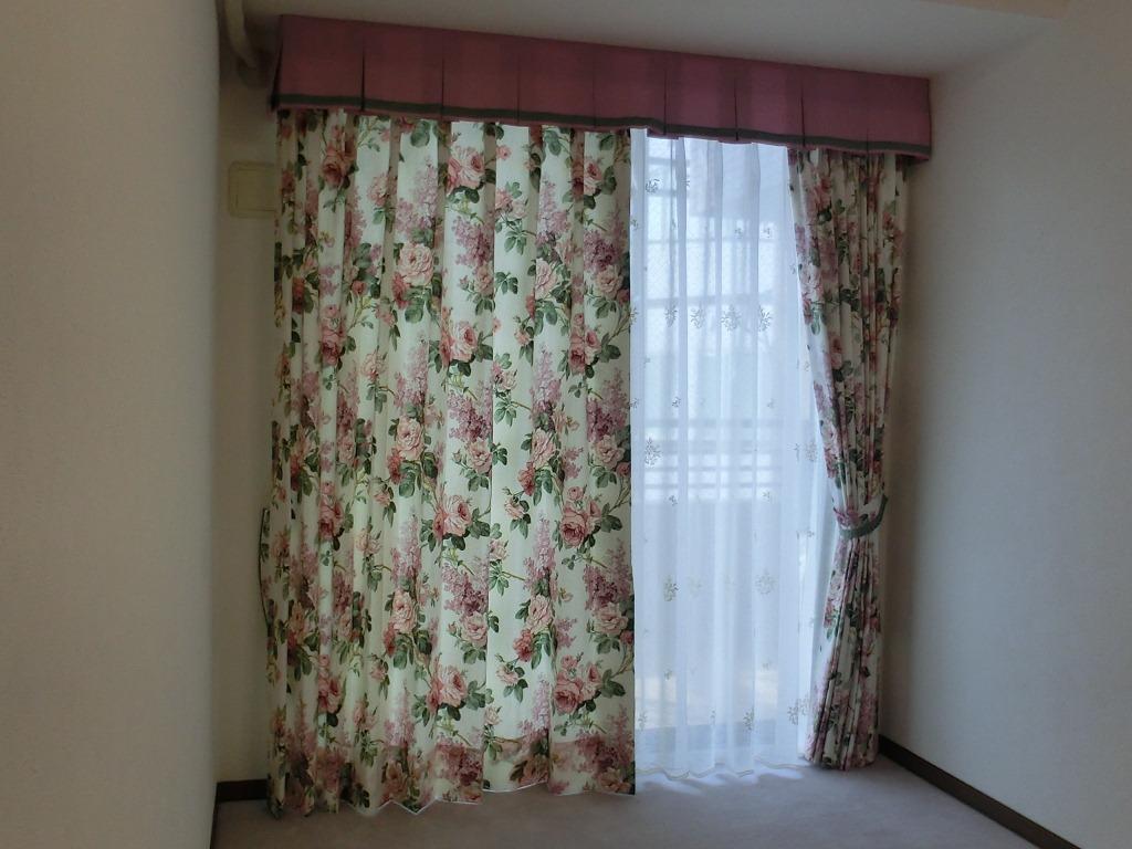 サンダーソン 薔薇カーテン