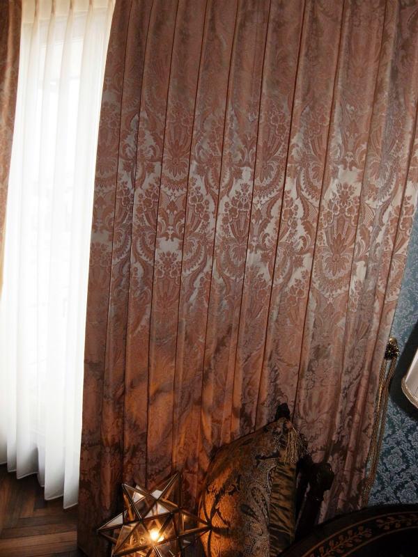 ダマスクカーテン