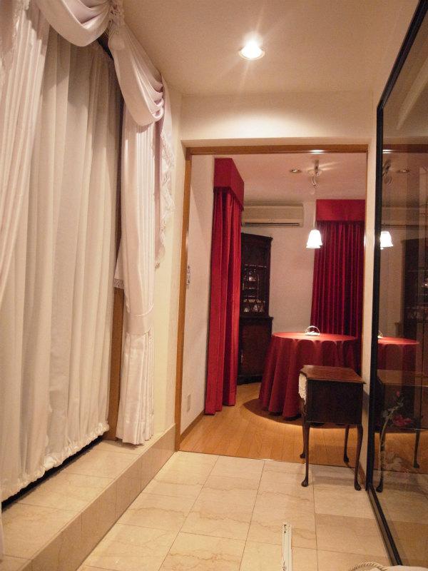 フィスバカーテン 白い部屋